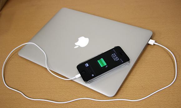 iPhoneMacBook-Air1
