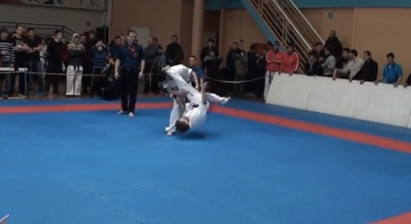 Epic karate knockout of the 2013 Shinkyokushinkai karate