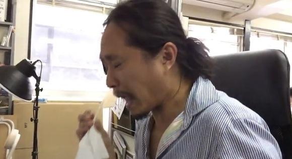 IPhone5S Slow motion sneezing_580