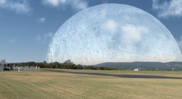 If the Moon were at the same distance as the ISS_580