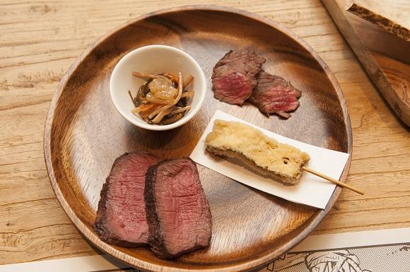 エゾシカの塩焼き、子持ち昆布の串揚げ、松前漬け、熊肉の炙り焼き