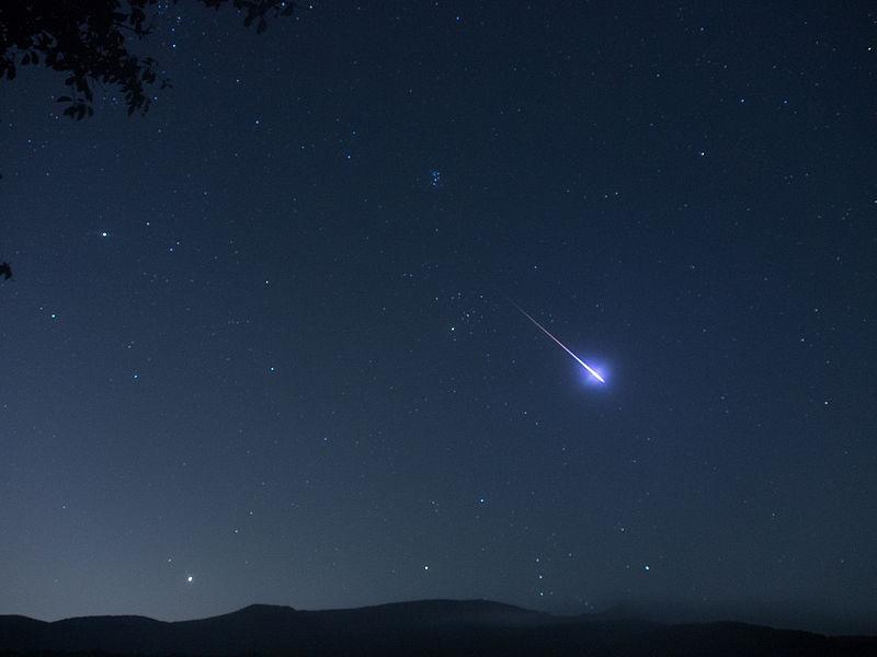Perseid_meteor_-_13_Aug._2013