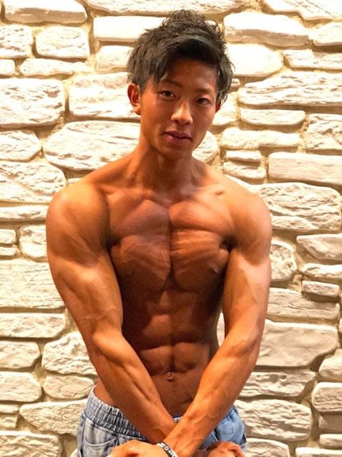 筋肉イケメン