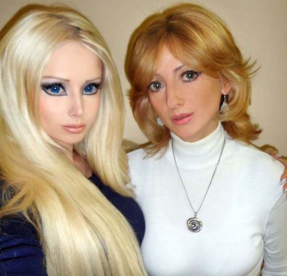 Real Life Barbie Family and Friends5