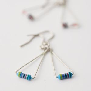 Geek & Cute Accessories Electrical Resistor Earrings 2,100 yen