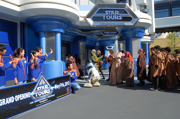 Star Wars Takes Over Tokyo Disneyland to Celebrate Reopening of Star Tours11