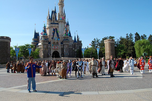 Star Wars Takes Over Tokyo Disneyland to Celebrate Reopening of Star Tours5