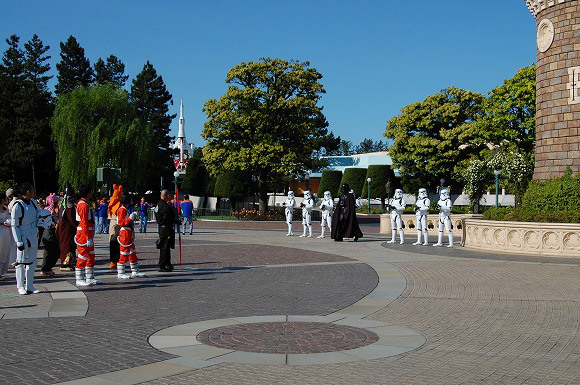 Star Wars Takes Over Tokyo Disneyland to Celebrate Reopening of Star Tours6