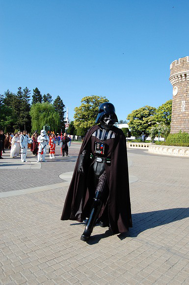 Star Wars Takes Over Tokyo Disneyland to Celebrate Reopening of Star Tours7