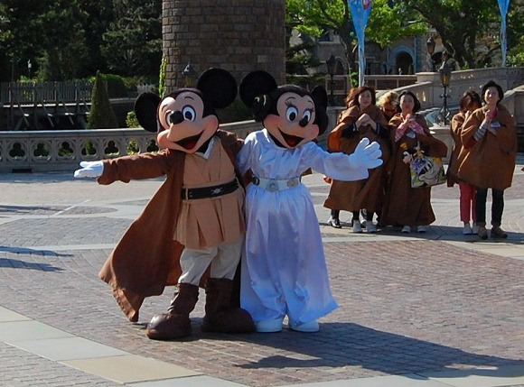 Star Wars Takes Over Tokyo Disneyland to Celebrate Reopening of Star Tours9