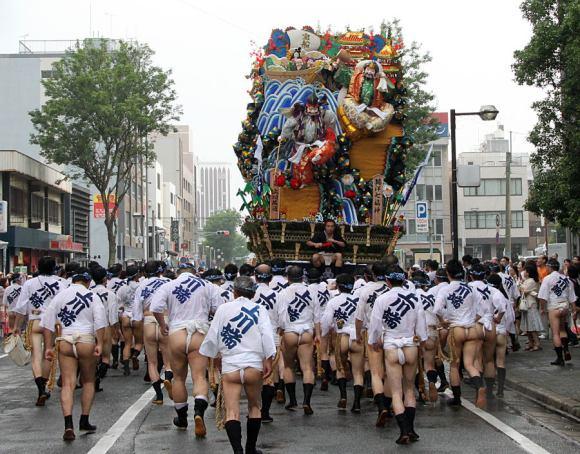 Yamakasa Matsuri