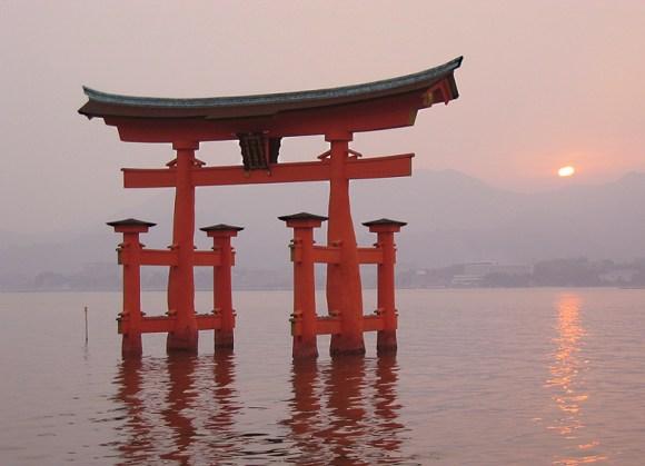 4. Itsukushima Shrine