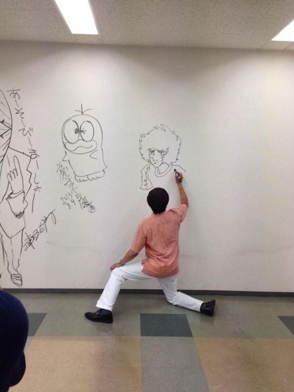 Manga graffiti at soon-to-be demolished Shogakukan building in Japan18