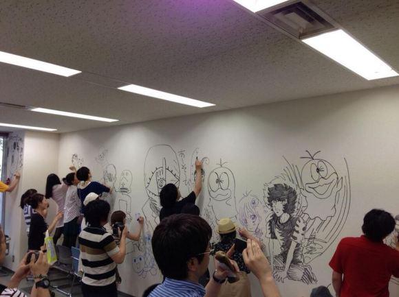 Manga graffiti at soon-to-be demolished Shogakukan building in Japan19
