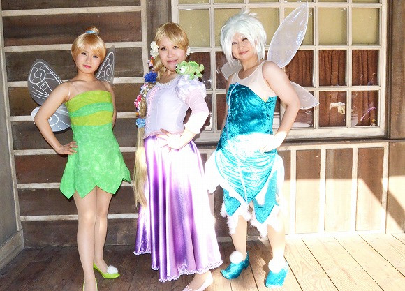 The awesome outfits of cosplayers at Tokyo Disneyland12