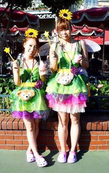 The awesome outfits of cosplayers at Tokyo Disneyland15