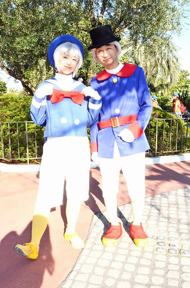 The awesome outfits of cosplayers at Tokyo Disneyland17