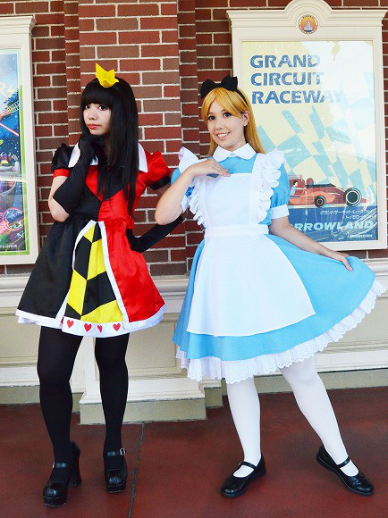 The awesome outfits of cosplayers at Tokyo Disneyland7
