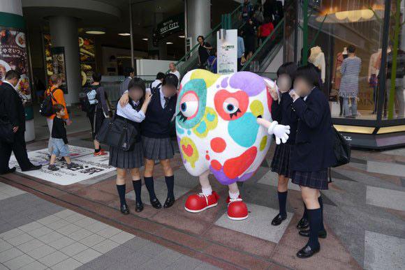Weird mascot is a hit with Japanese women6