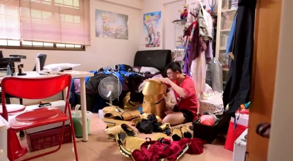 IKEA Bedroom Stories (Singapore) - Frank the Cosplayer - YouTube.clipular (12)