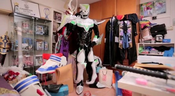 IKEA Bedroom Stories (Singapore) - Frank the Cosplayer - YouTube.clipular (4)