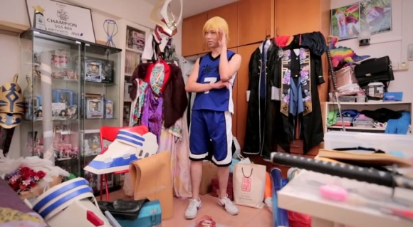 IKEA Bedroom Stories (Singapore) - Frank the Cosplayer - YouTube.clipular (5)
