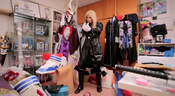 IKEA Bedroom Stories (Singapore) - Frank the Cosplayer - YouTube.clipular (6)
