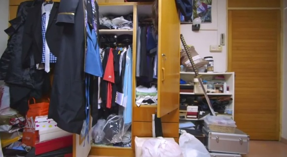 IKEA Bedroom Stories (Singapore) - Frank the Cosplayer - YouTube.clipular (9)