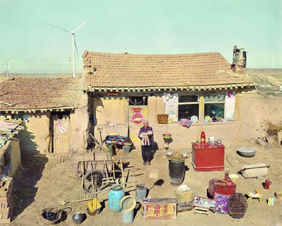 xHuang-Qingjun-Poor-Families-3.jpg.pagespeed.ic.PJsMlcYLkG