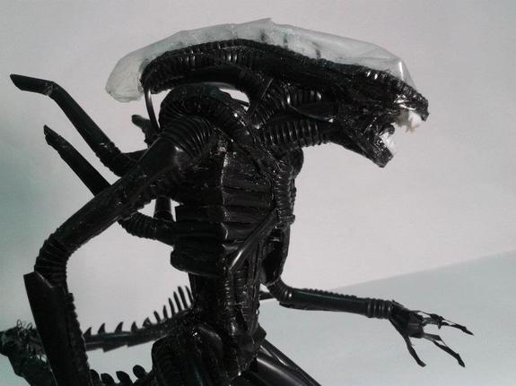 content_cardboard_alien_1