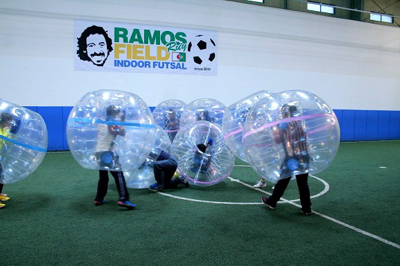 We try %22Bubble Soccer%22