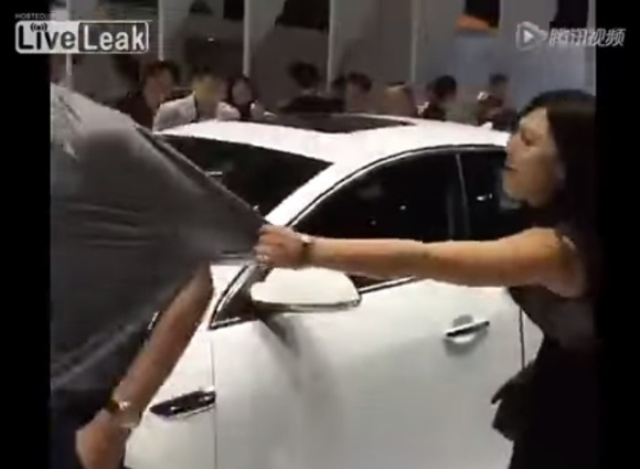 Woman wants man to buy white car for her at auto show - YouTube.clipular (2)