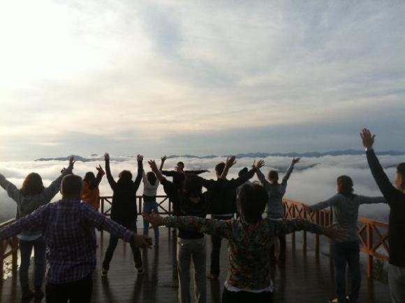 unkai terrace, yoga above clouds, sunrise