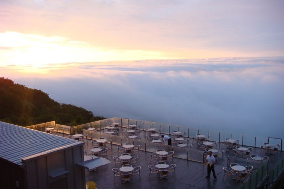 sunrise, unkai terrace, Tomamu, waterfall cloud formation
