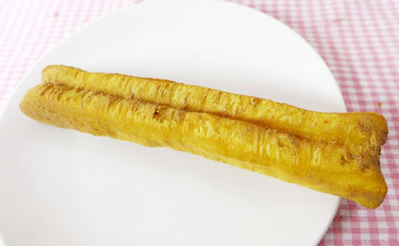 We try churros from McDonald's Japan1