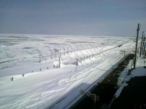 北浜駅(雪)