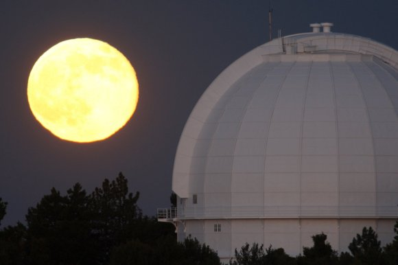 Stunning Photos Of The Supermoon13