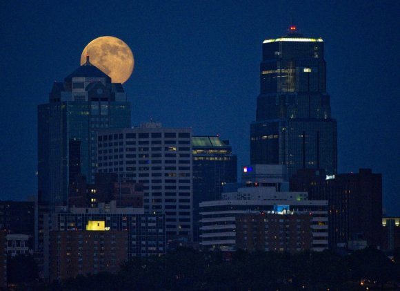 Stunning Photos Of The Supermoon2