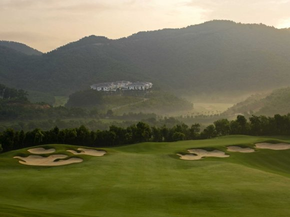 the-first-dongguan-course-was-designed-by-the-best-female-golfer-in-history-annika-sorest-it-has-lots-of-natural-terrain-dramatic-elevation-changes-and-mountains-in-the-background