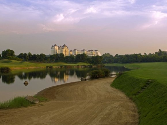 three-time-major-winner-vijay-singh-created-this-innovative-course-with-a-150-yard-beach-bunker-at-shenzhen-it-also-has-steep-bunkers-and-water-hazards-on-14-holes