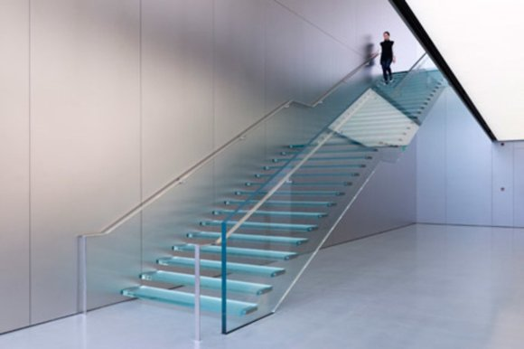 apple-store-foster-and-partners-staircase