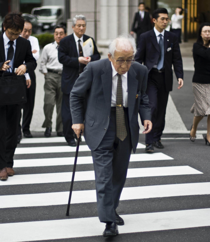 Salarymen_in_Tokyo