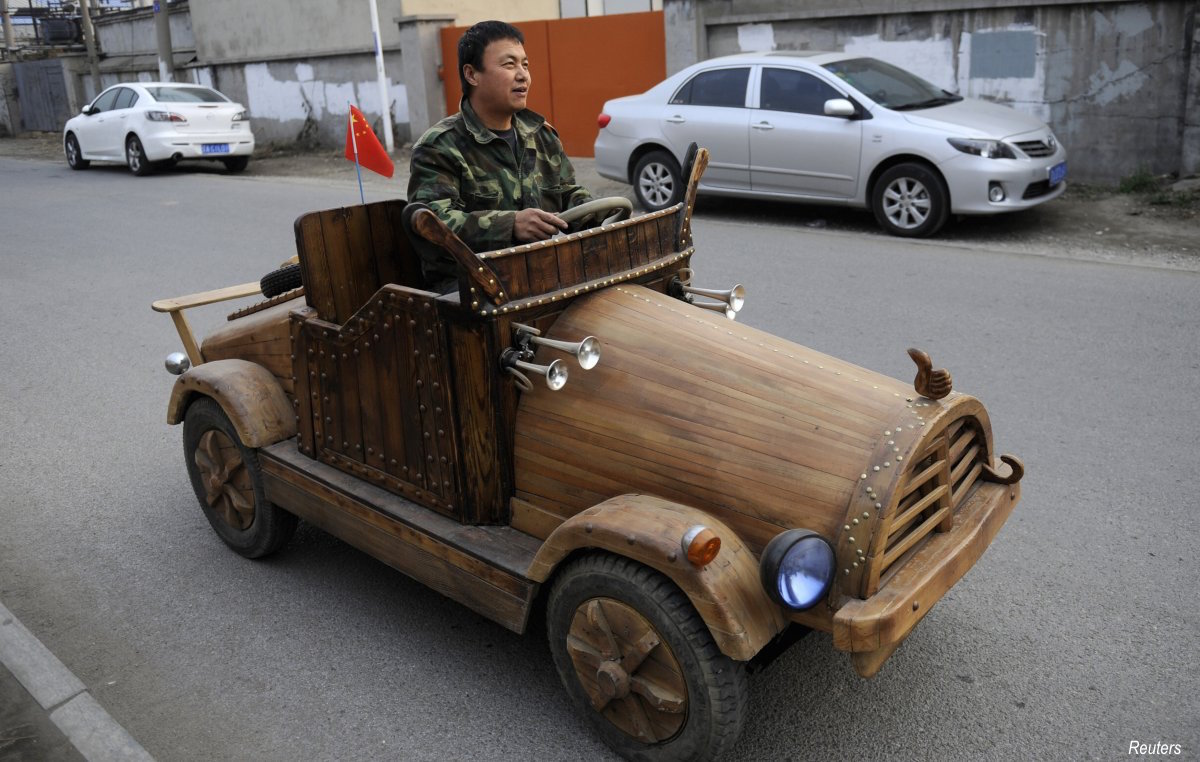 liu-fulong-from-the-shenyang-liaoning-province-created-a-wooden-electronic-vehicle-at-home-which-has-a-top-speed-of-30kmh