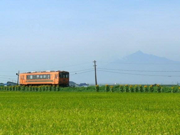 Tsugaru train
