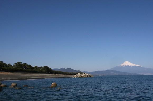 Mt_Fuji_at_Mihonomatsubara-1