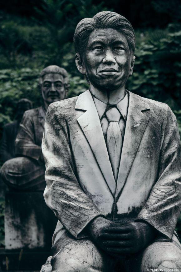 spooky-statues-16