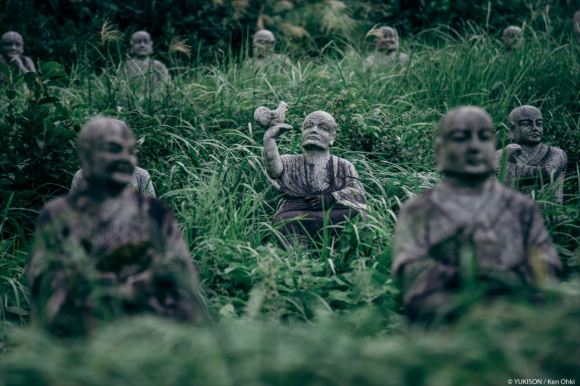 spooky-statues-18