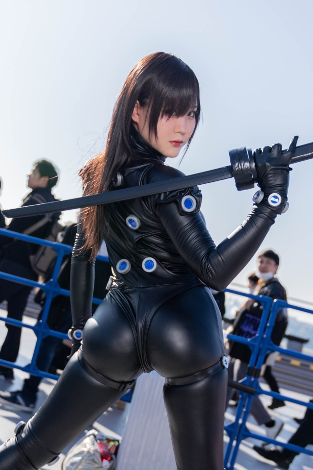 The best Japanese cosplayers from Day 4 of Winter Comiket ...