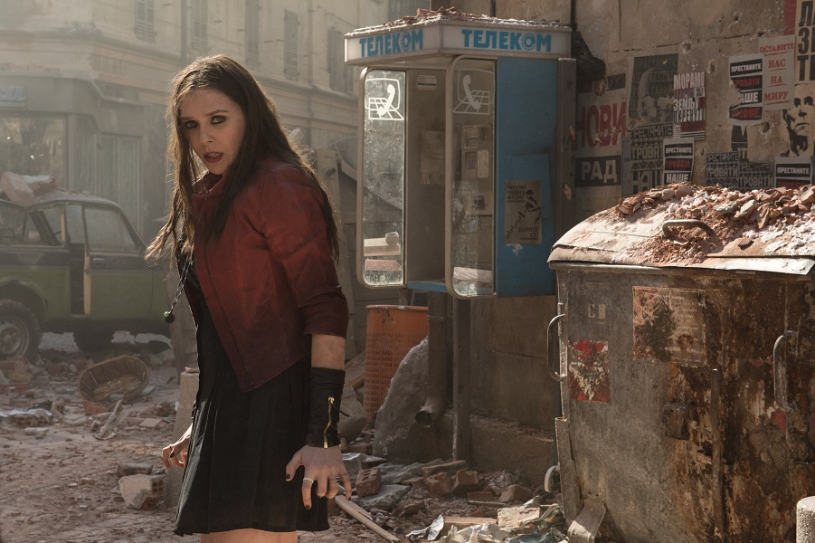 Marvel's Avengers: Age Of Ultron L to R: Scarlet Witch/Wanda Maximoff (Elizabeth Olsen) Ph: Jay Maidment ©Marvel 2015