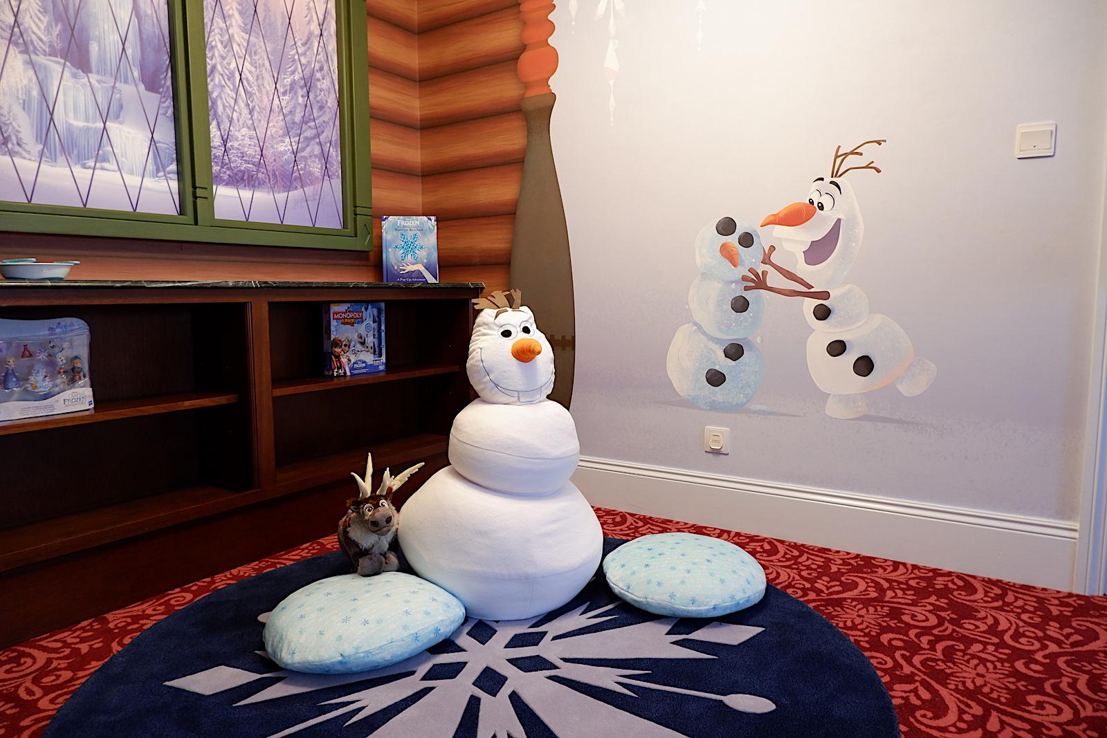 写真多数 アナと雪の女王 のスイートルームが香港ディズニーリゾートにある どこもかしこもアナ雪ワールド全開で悶絶級の可愛さです Pouch ポーチ